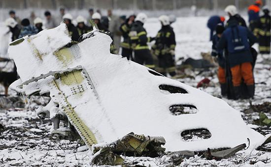 Фрагмент фюзеляжа пассажирского самолета Boeing 737-800 авиакомпании flydubai, следовавшего помаршруту Дубай—Ростов-на-Дону