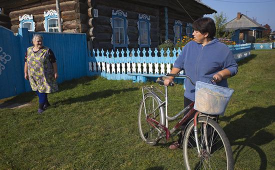 Социальный работникв деревне КороленкаОмской области