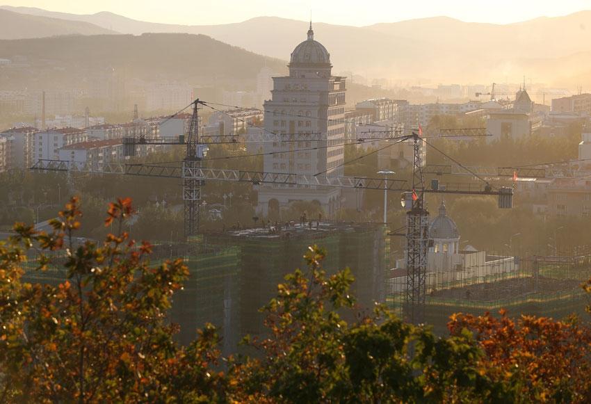 Фото: Строительство города Суйфэньхэ. Артем Коротаев/ТАСС