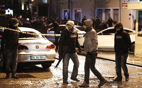 Сотрудники полиции в Стамбуле, Турция.