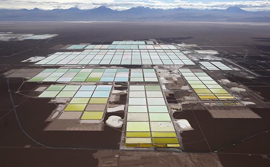 Рудник по добыче лития в пустыне Атакама, Чили