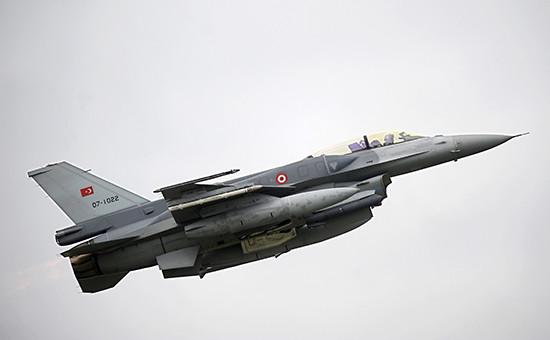 Турецкий истребитель F16
