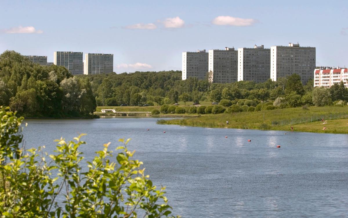 Вид на жилые дома Зеленограда (ЗелАО Москвы)