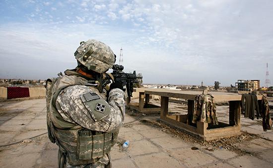 Американский военнослужащий вокрестностях Мосула, Ирак, 2009 год