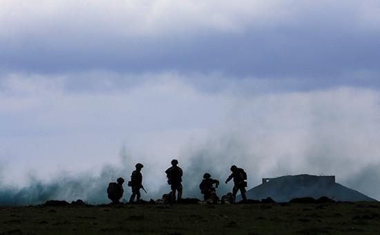 Солдаты стран НАТО на военных учениях. Архивное фото