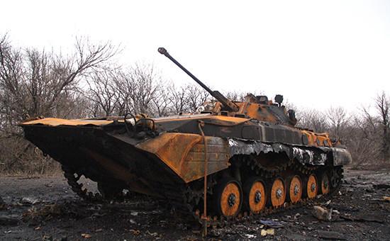 Сгоревшая техника по дороге из Углегорска в Дебальцево
