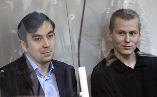 Граждане РФ Евгений Ерофеев иАлександр Александров (слева направо) вовремя рассмотрения дела посуществу вГолосеевском суде вКиеве