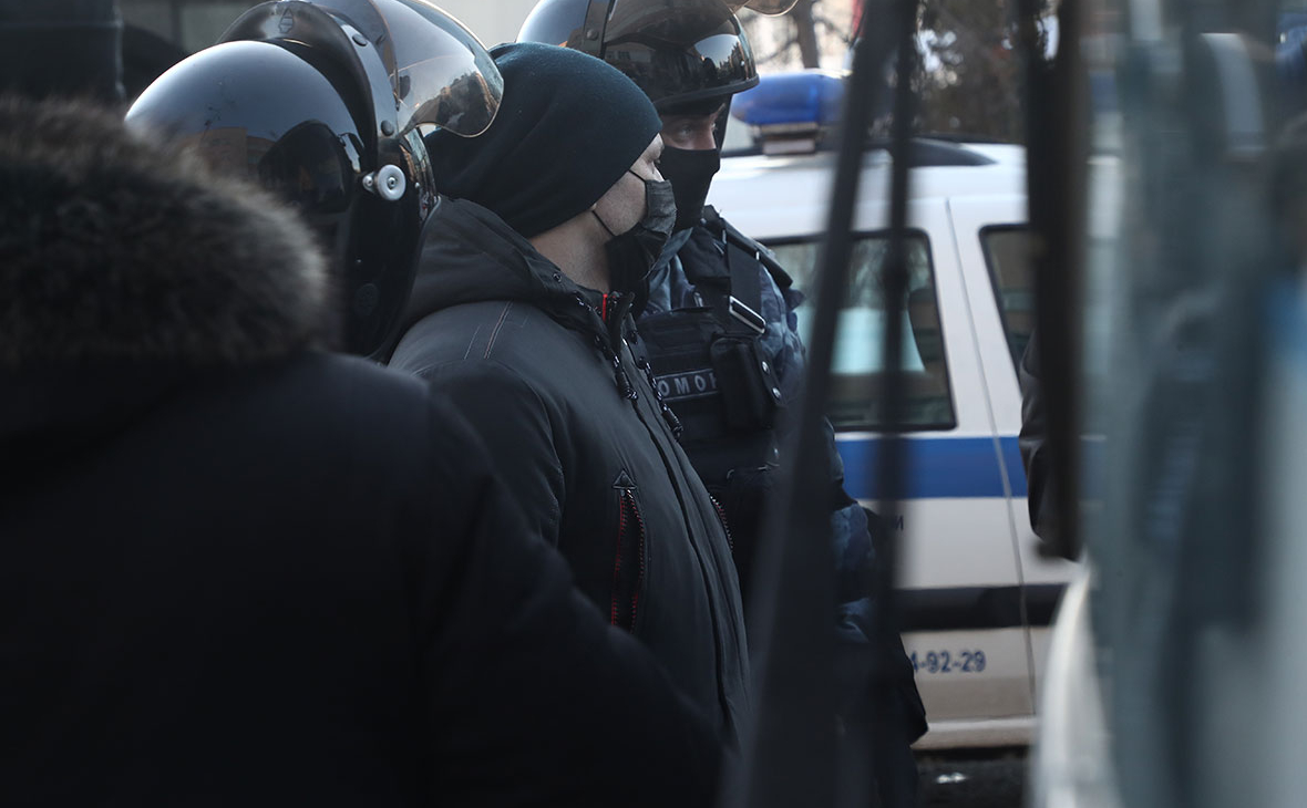 С чем столкнулись арестованные и их близкие после массовых задержаний
