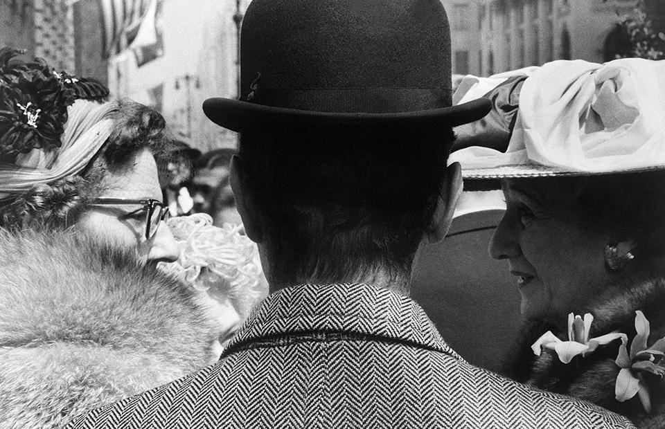 Leon Levinstein. Fifth Avenue, c. 1959