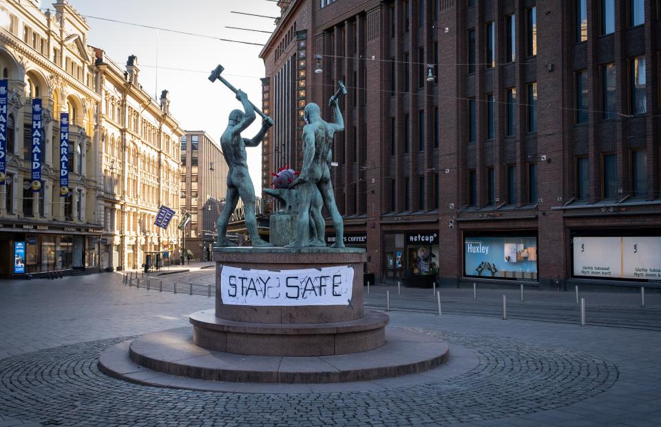Площадь на пересечении Маннерхейминтие иАлексантеринкату в центре Хельсинки