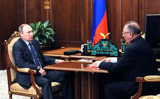 Президент России Владимир Путин иглава «Транснефти» Николай Токарев вовремя встречи вКремле