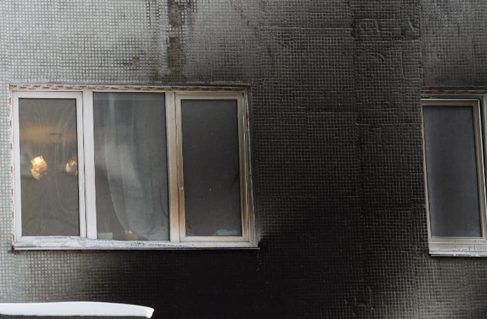 Пожар произошел в многоэтажке на Московском тракте