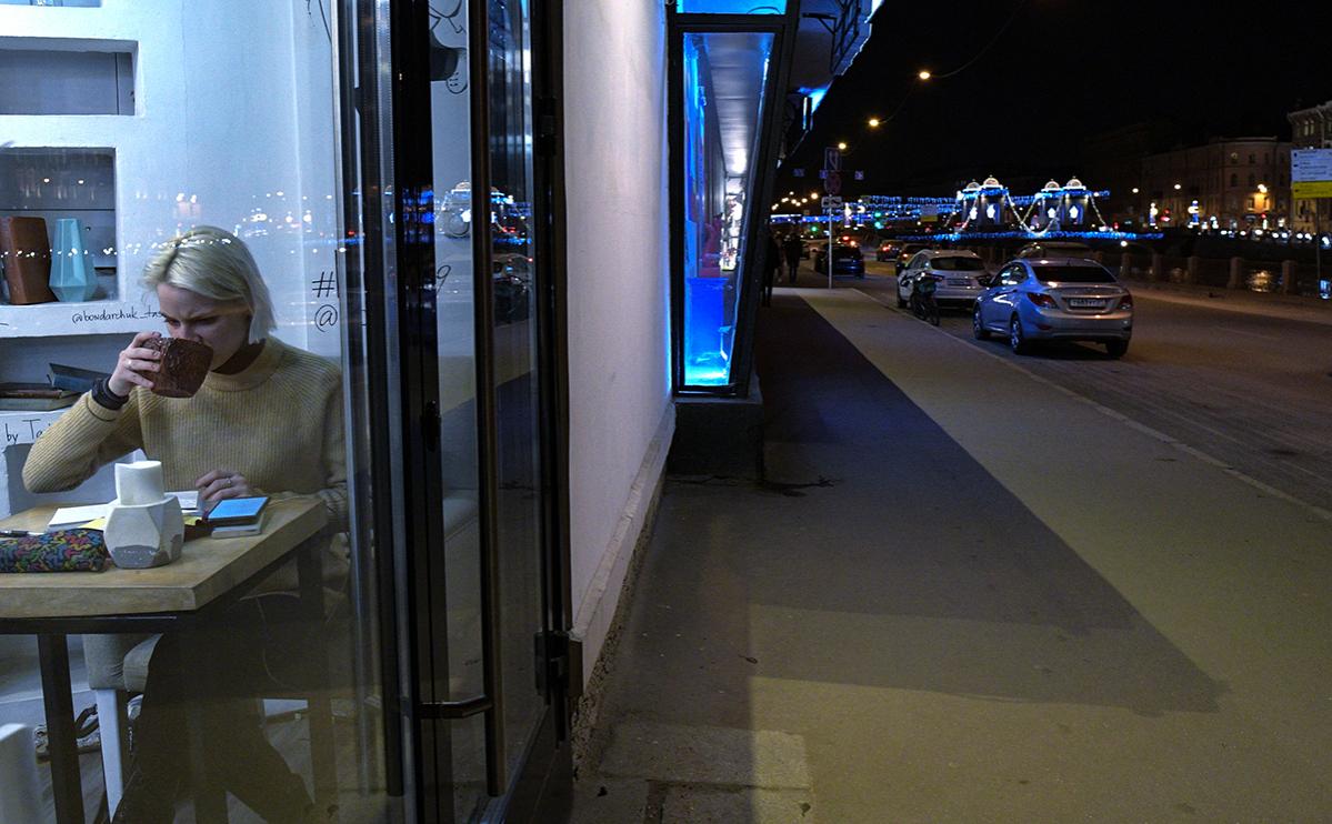 В Петербурге после Нового года смягчат ограничения на работу ресторанов
