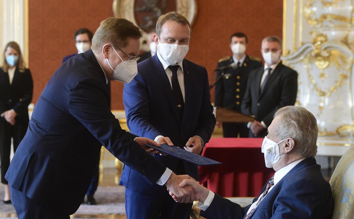 Милош Земан (справа)