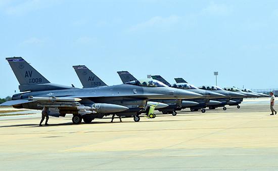 Американские самолеты на базе Инджирлик в Турции.2015 год