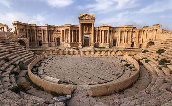 Вид наримский амфитеатр вПальмире. 6 мая 2016 года