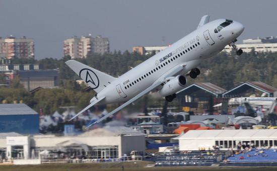 Пассажирский самолет Sukhoi Superjet-100