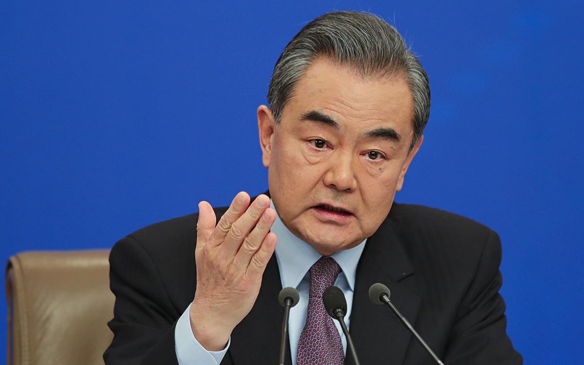 Глава МИД Китая поспорил с США фразой «демократия— это не Coca-Cola»