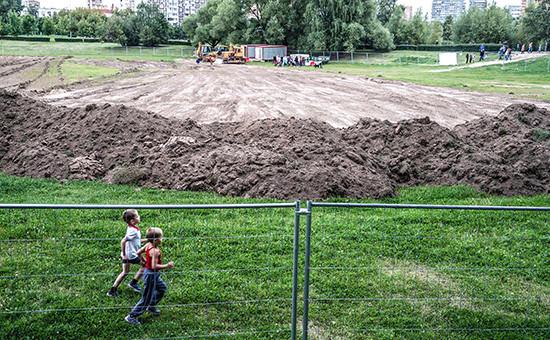 Начало строительства натерритории парка Дружбы вМоскве