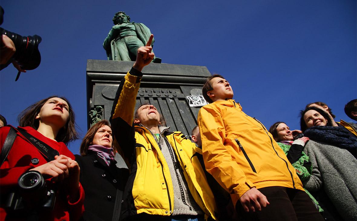 Сторонники Алексея Навального на митинге 26 марта в Москве