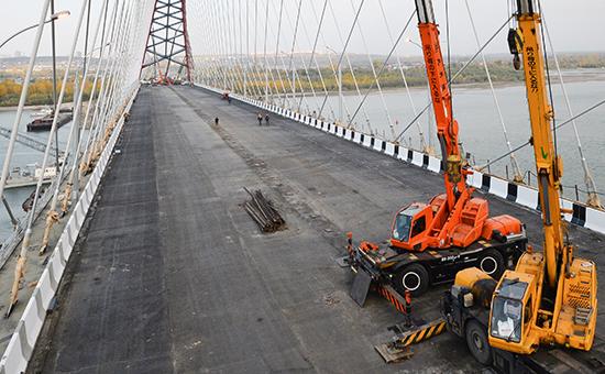 Строительство моста. Архив.