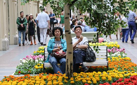 Туристы из Китая в ГУМе, июнь 2016 года