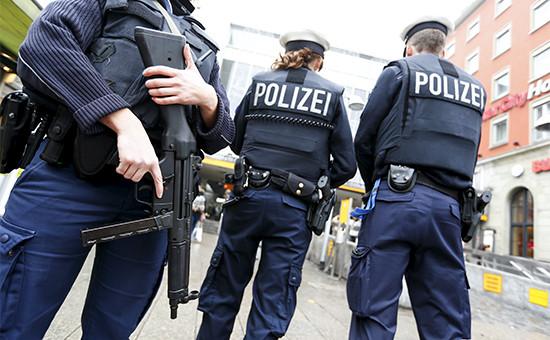 Немецкие полицейские патрулируют вокзалы Мюнхена