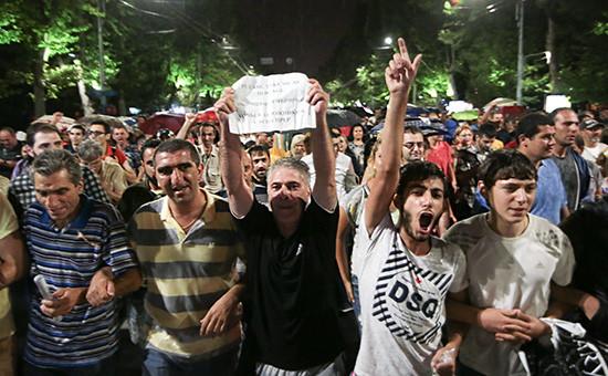 Акции протеста оппозиции продолжаются вЕреване