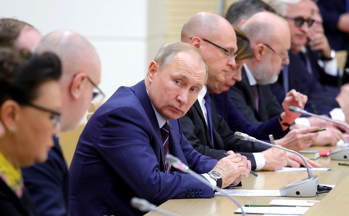 Владимир Путин на встрече с членами рабочей группы