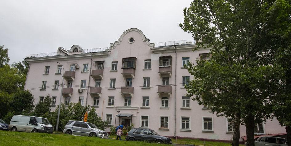 Жилой дом на улице Боженко, 10, построенный в 1954 году