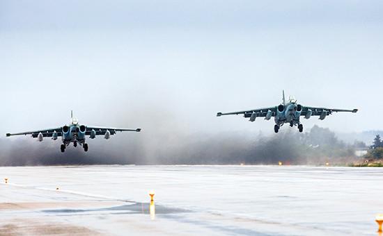 Российские самолеты Су-25 наавиабазе Хмеймим вСирии. Март 2016 года