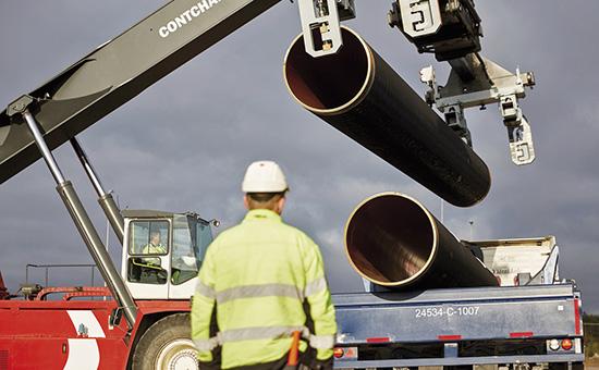 Отгрузка труб «Северного потока-2» дляпокрытия бетоном назаводе вКотке, Финляндия  