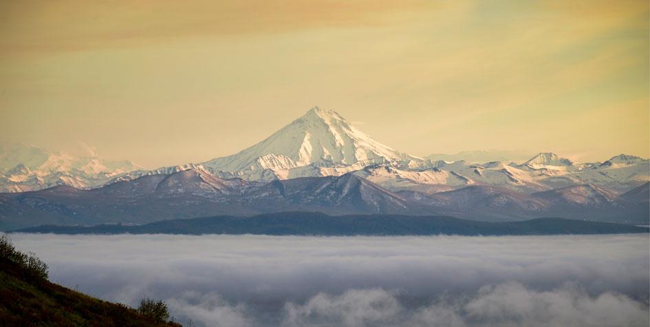 Петропавловск-Камчатский. Вид с Мишенной сопки во время тумана