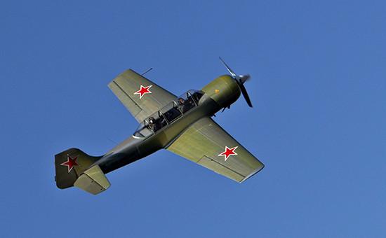 Cпортивно-тренировочный самолет Як-52. Фото 2009 года