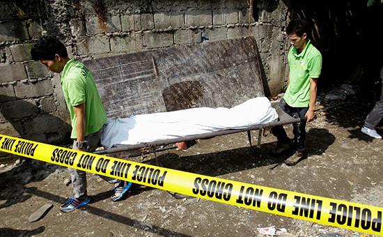 Один из подозреваемых наркодельцов, убитый в ходе полицейской операции в Маниле, июль 2016 года