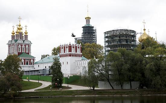 Реставрационные работы в Новодевичьем монастыре, пострадавшем после пожара. Октябрь 2015 года