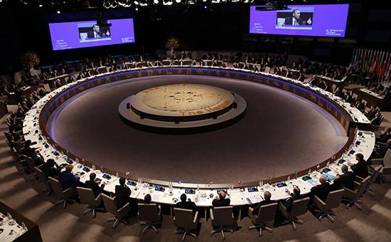 Заседание во время саммита по ядерной безопасности в Гааге, Нидерланды, 25 марта 2014 года