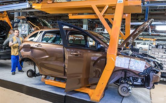 В цехе сборки автомобиля Lada Xray назаводе ОАО«АвтоВАЗ»