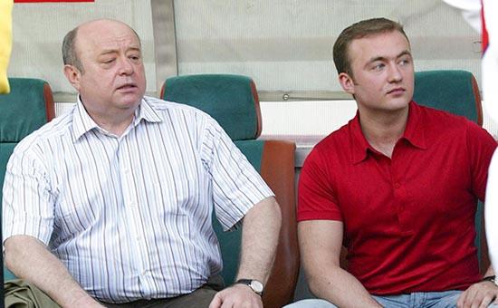 Директор внешней разведки РФ Михаил Фрадков (слева) с младшим сыном Павлом