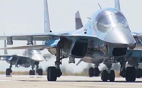 Многофункциональные бомбардировщики Су-34 ВКС России