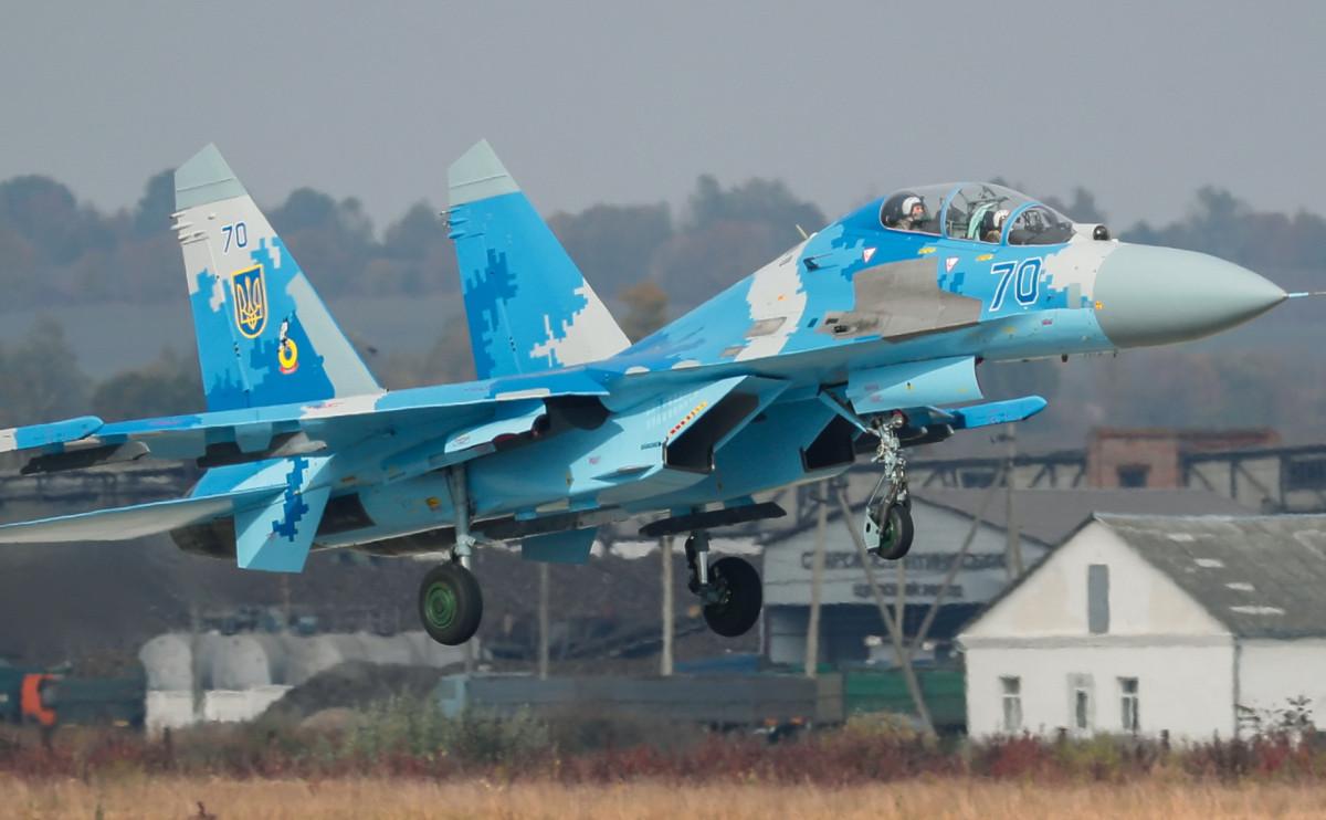 Истребитель Су-27 ВВС Украины