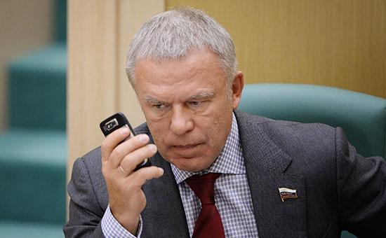 Cенатор Вячеслав Фетисов