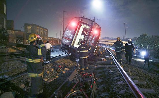 На месте крушения поезда в Филадельфии