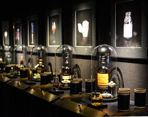 Фото: fragrantica.ru; facebook.com/ritzcarltonberlin; tassphoro.com; пресс-материалы ресторана El Celler de Can Roca