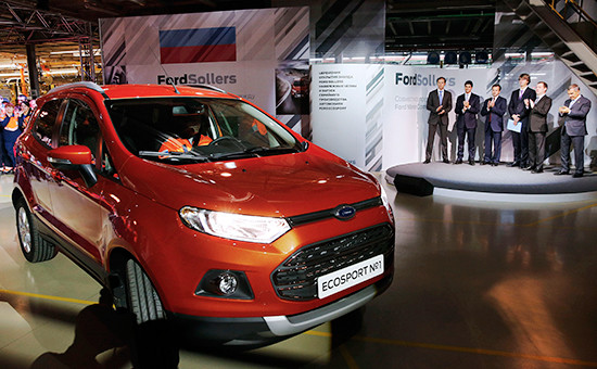 Во время церемонии запуска впроизводство автомобилей Ford EcoSport назаводе вНабережных Челнах. Декабрь 2014 года
