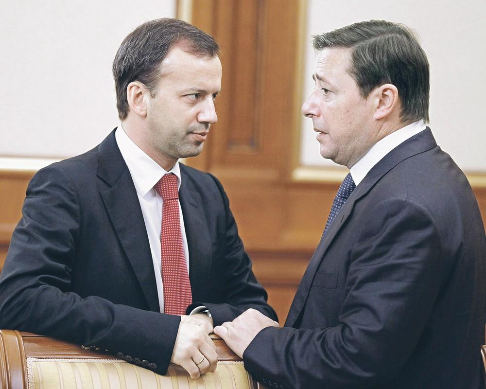 Вице-премьеры Александр Хлопонин(справа) и Аркадий Дворкович