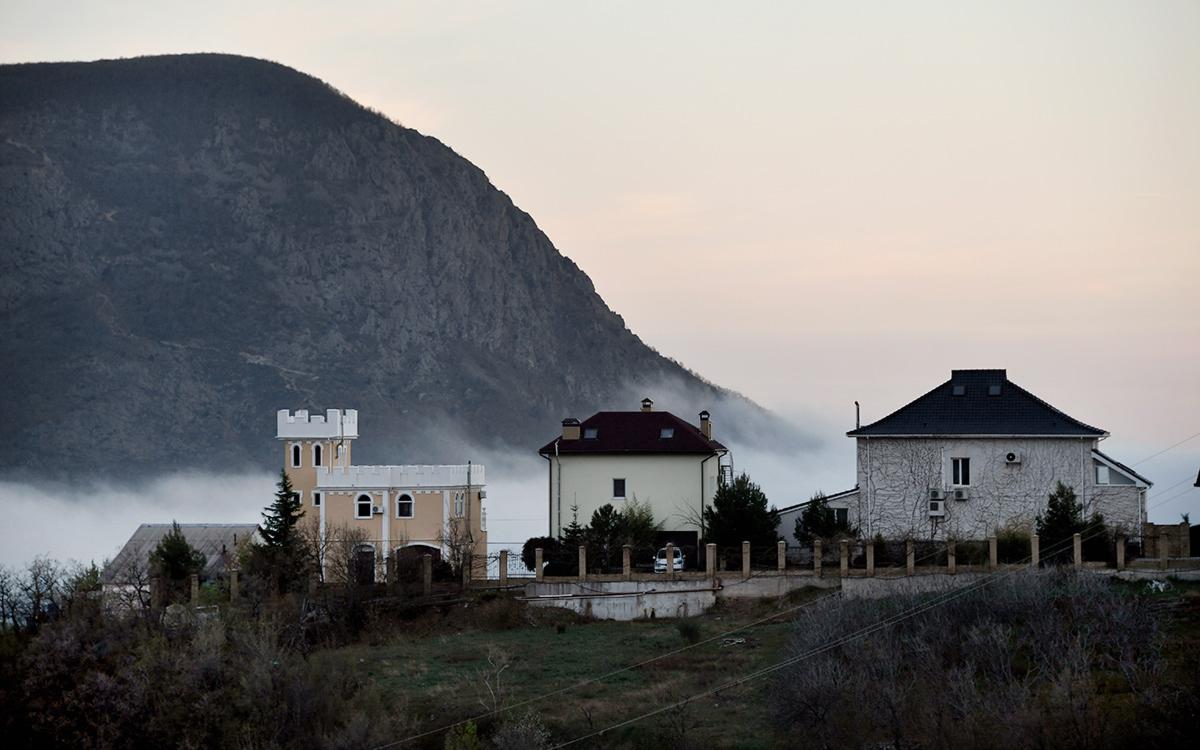 Киев счел указ Путина о владельцах земель в Крыму юридически ничтожным