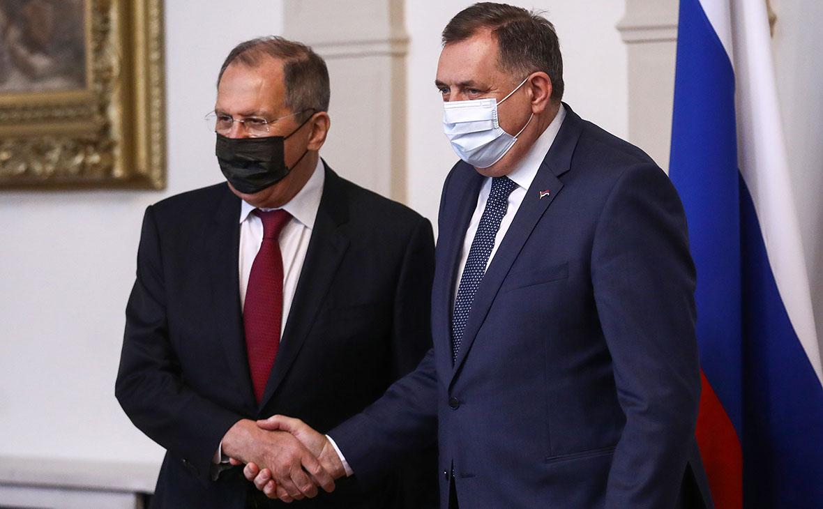 Сергей Лавров и Милорад Додик (слева направо) во время встречи 15 декабря