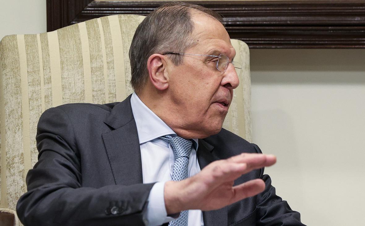 Лавров заявил о создании в России базы для аналога SWIFT