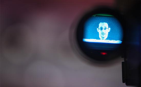 Бывший сотрудник Агентства национальной безопасности (АНБ) Эдвард Сноуден